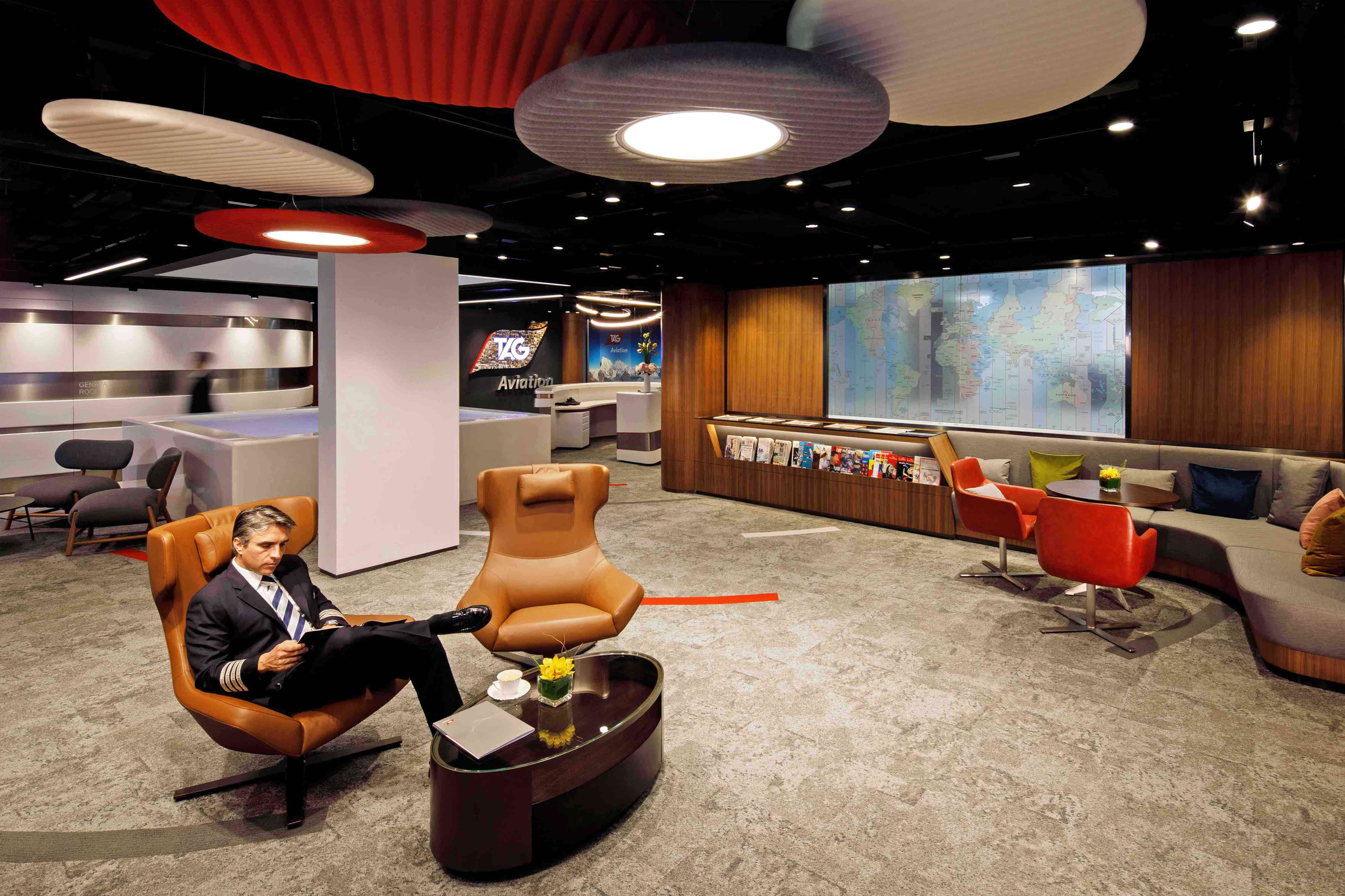 Enjoy Private Lounges and Terminals